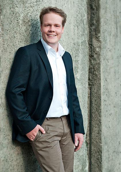 Businessportrait Berlin, Firmenfotos, Unternehmerfotos, Portraits für Selbstständige, Bewerbungsfotos Berlin, Mitarbeiterfotos, Teamfotos, Firmenfotografie für Webseiten, Mobiles Fotostudio Berlin, Fotografin jennifer Sanchez