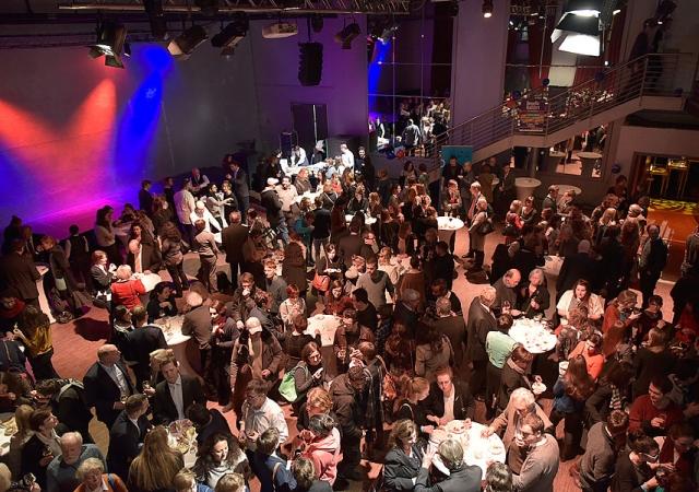 Eventfotograf berlin, DFJW, OAFJ, Businessportraits Berlin, Firmenfotos, Unternehmerfotos, Portraits für Selbstständige, Bewerbungsfotos Berlin, Mitarbeiterfotos, Teamfotos, Firmenfotografie für Webseiten, Mobiles Fotostudio Berlin, Fotografin jennifer Sanchez, Eventfotografie, Konzertfotografie, kesselhaus berlin