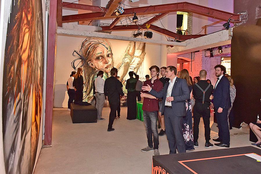 Gruppenfoto, eventfotograf berlin, urban nation, streetart, veranstaltungsfoto, fotograf berlin, mobiles fotostudio, fotos für firmenevents, museum für streetart